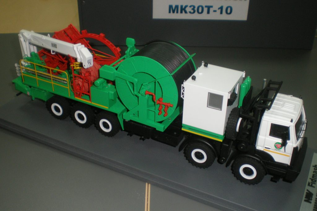 MK30T-10 coiled tubing unit