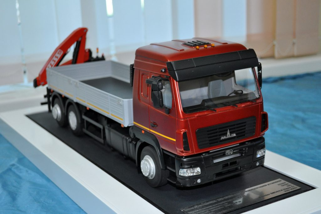 Special vehicle MAZ-6310E9